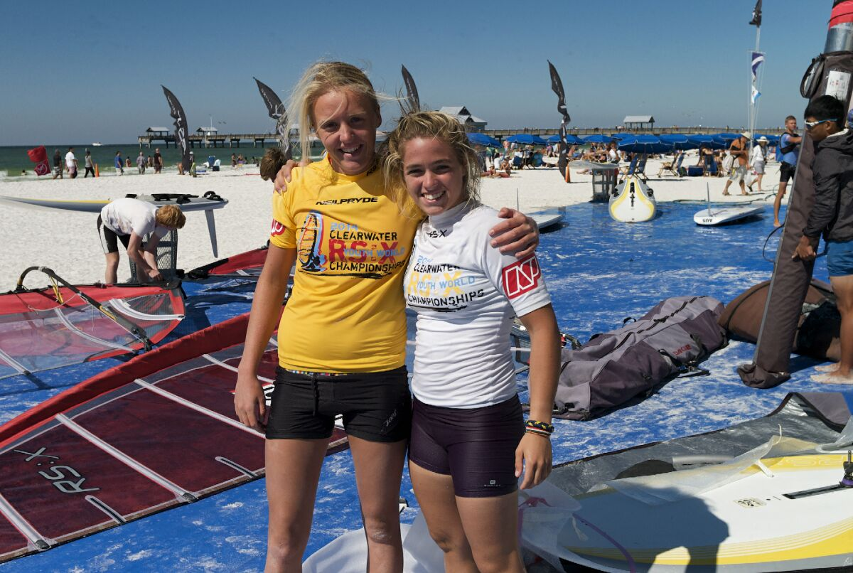 Women Champion Emma Wilson (GBR) and fellow competitor Elena Vacca (ITA) on crowded Clearwater Beach